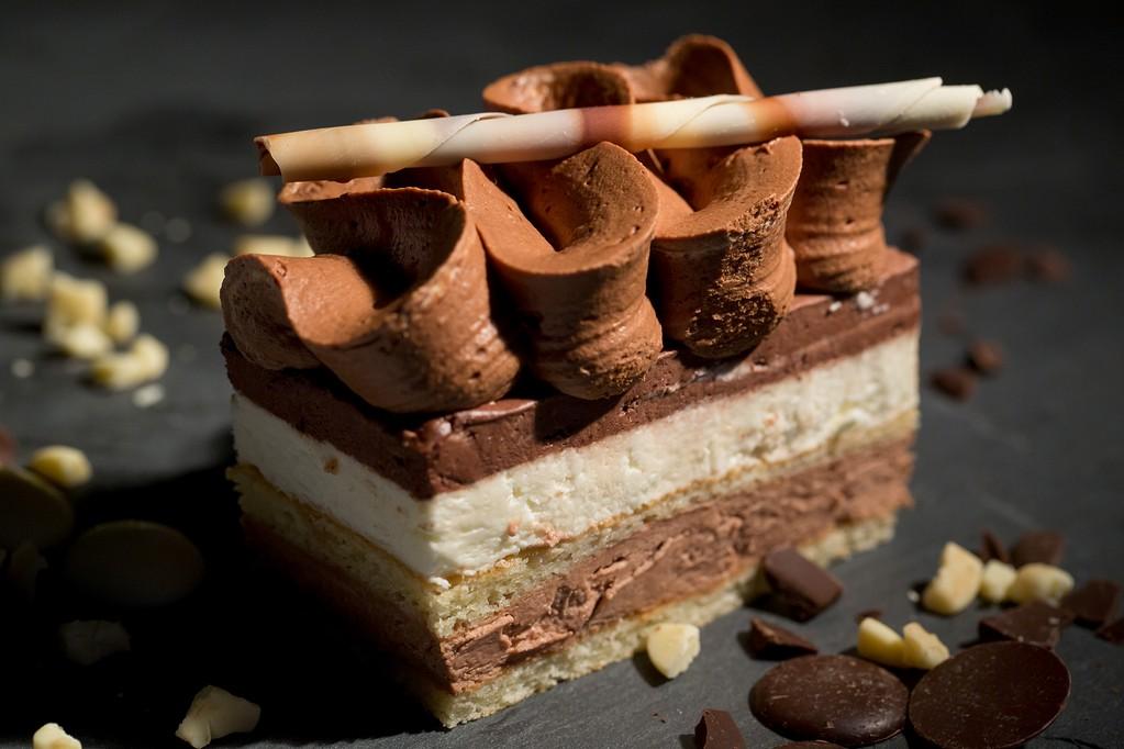 Mousse trois chocolats-mousse chocolat blanc au lait et chocolat noir salon de the bouxwiller