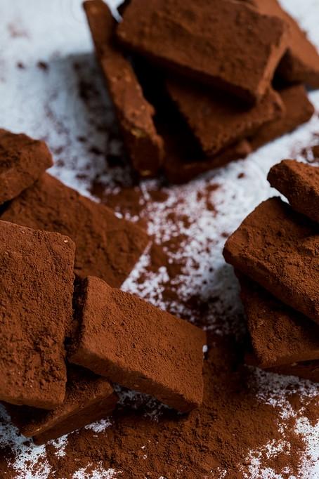 Charbons gianduja brisure de noisettes noisettes torifie cacao amer salo de the Bouxwiller